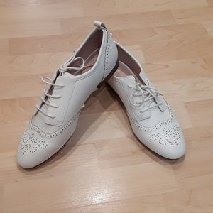 Zara white shoes size 10